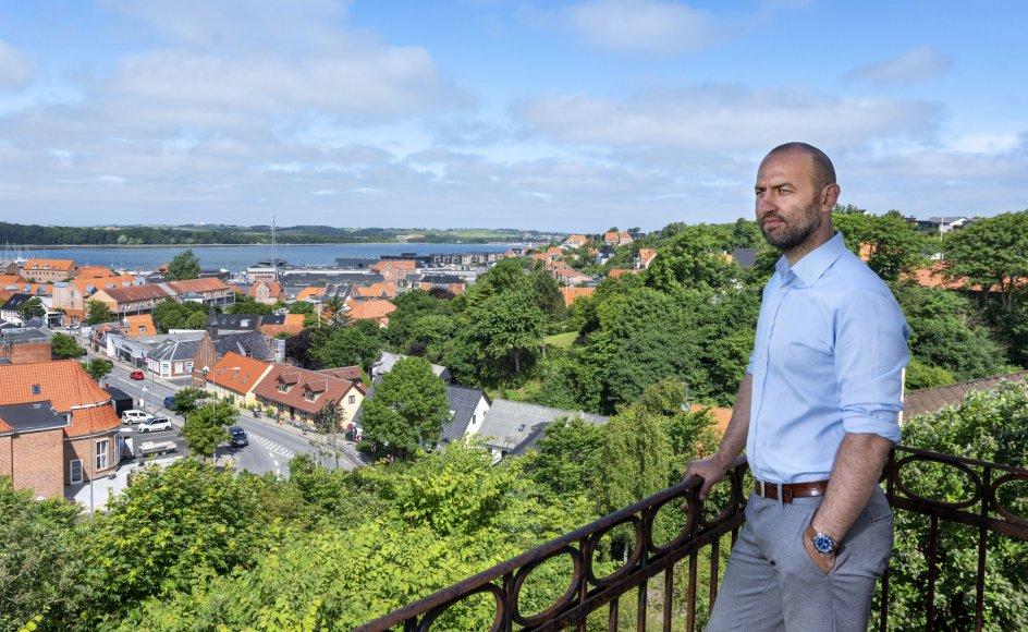 Gymnasielæreren Stefan Agger fik skærpet sin opfattelse af vestjysk kultur af at være flyttet til København for igen at vende tilbage til Lemvig, hvor han voksede op.