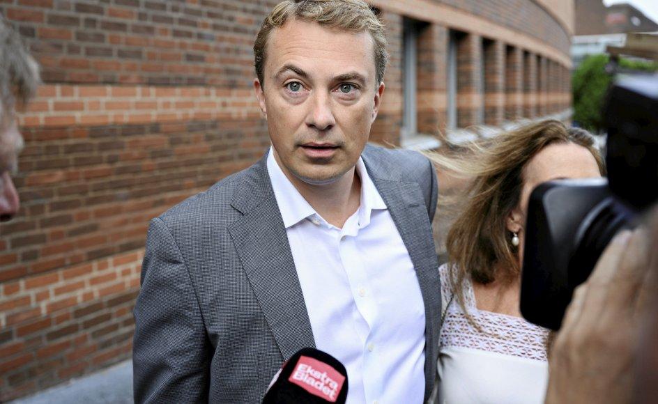 Morten Messerschmidt ankom i går til byretten i Lyngby. Messerschmidts politiske fremtid står og falder med udfaldet af retssagen.