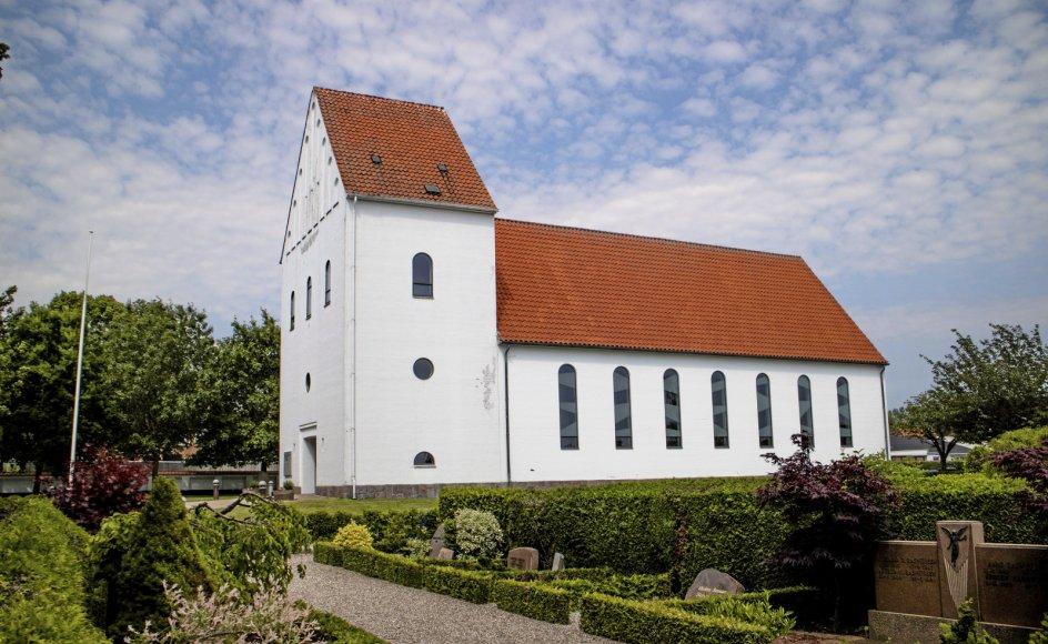 Der er stille som graven omkring Ansgarkirken i Hedehusene, hvor den drabsdømte Thomas Gotthard var præst.